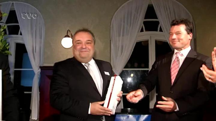 "Hof: Wirtschaftspreis an ""Getränke Lippert"" verliehen | Oberfranken ..."